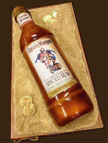 captain-morgan-bottle-cake....omg! remember my birthday is in april!!!! ;)