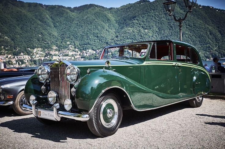 1952 Rolls-Royce Phantom IV Sedanca de Ville by Hooper