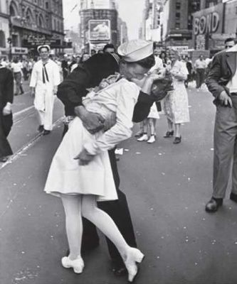 This is one of the most famous photographs from the Second World War. The soldier and the nurse are unknown but people have come forward to claim the fame. Apparently the nurse slapped the soldier immediately after. The event was the celebration of the end of the war and it was taken in Times Square by Alfred Eisenstaedt.... New York 1945..    I should wear a nurse outfit to pickup dave!