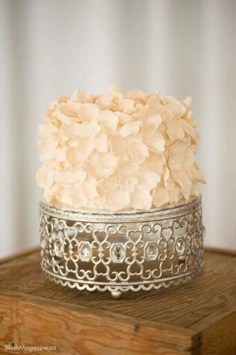 Goldleafbakery.com white chocolate celebration cake