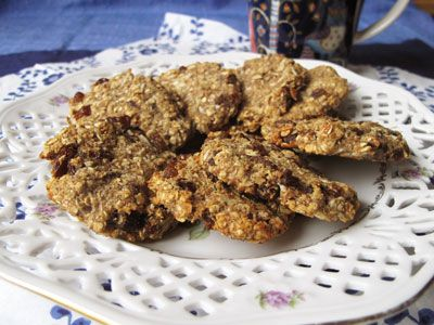 Ginger biscuits with oats and banana