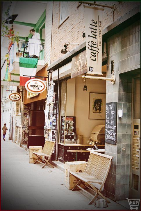 caffé latte//Wohlwillstraße 49//D-20359 Hamburg//Mo-Fr 8:30-19h, Sa 9-19h & So 10-18h