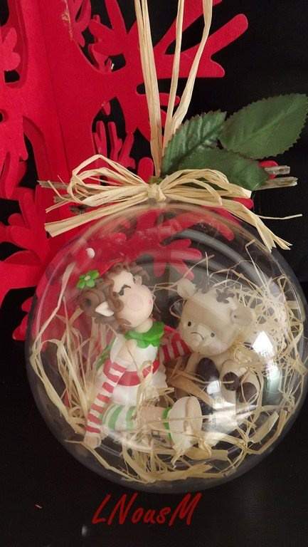 Christmas ball by Gaelle Bilbaut