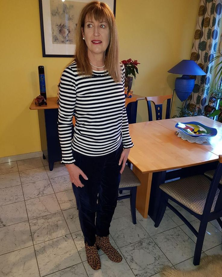 I have a new wardrobe and now I can see how many stripey tops I have..... wonder if I'd qualify for the Guinness Book of Records?? #ootd #casualstyle #casualwear #whatimwearing #photooftheday #potd #outfitoftheday #bretonstripes #bodenbyme #bodenclothing #50andfabulous #50plusandfab #over50style #ageisjustanumber #whatiwear #womanwithstyle #wiw # easy chic #fashiondiaries #dailylook