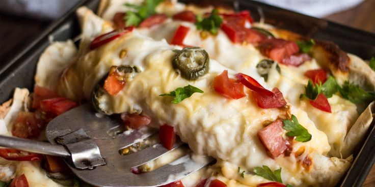 Идеи для завтрака: запечённая энчилада - https://lifehacker.ru/2016/08/27/enchilada/