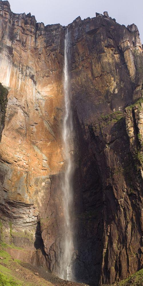 Angel Falls - Venezuela ... More pictures: http://666travel.com/angel-falls-venezuela/