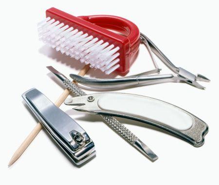 ¿Estás en un presupuesto o necesitas un arreglito de último minuto? conoce los consejos más sencillos pasa una manicure en casa paso a paso.
