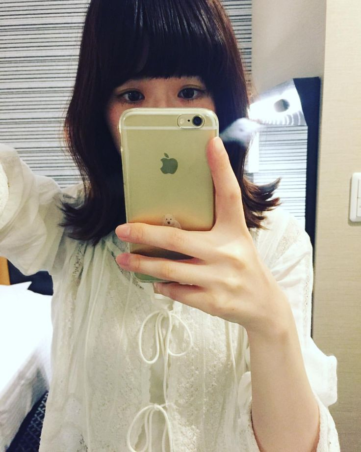 いいね!218件、コメント9件 ― tomoco ikedaさん(@ikemoco_)のInstagramアカウント: 「みんなへ。元気ですか?池田は元気です。元気なときは尚更みんなに会いたくなります。みんなに喜んでもらえることをいっぱいいっぱいしたい。そんな感じで毎日を過ごしています🌼」