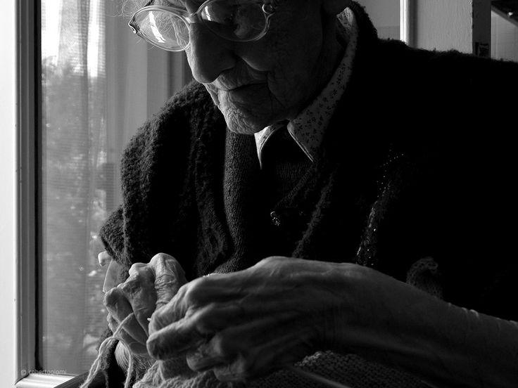 lavorare a maglia.. antichi mestieri..antichi saperi..