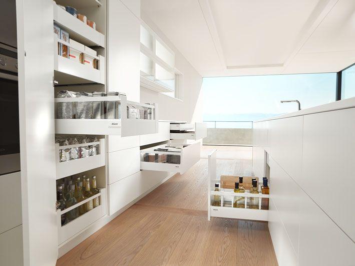 Kuche Richtig Einraumen Geheimtipps Fur Mehr Platz Kuchenfinder Badezimmereinrichtung Modernes Badezimmerdesign Badezimmer Innenausstattung