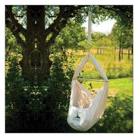 i want a hanging bassinet like that!