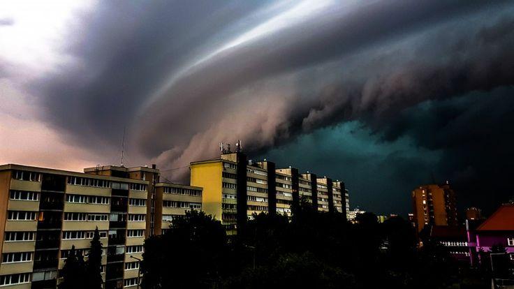 Apokaliptikus viharfelhőt fotóztak Egerben – Lájk