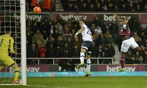 Michail Antonio strikes early to hand West Ham victory over Tottenham