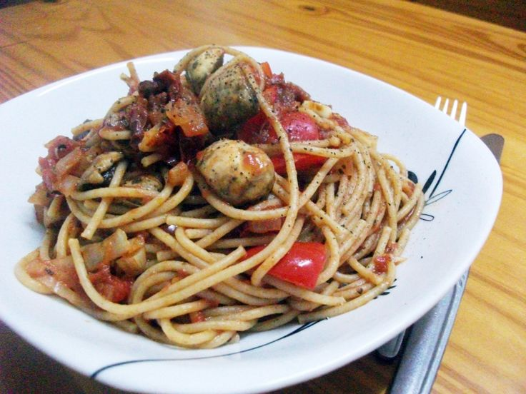 Vegged Up Spaghetti Napolitana, very quick, healthy and simple dinner option.