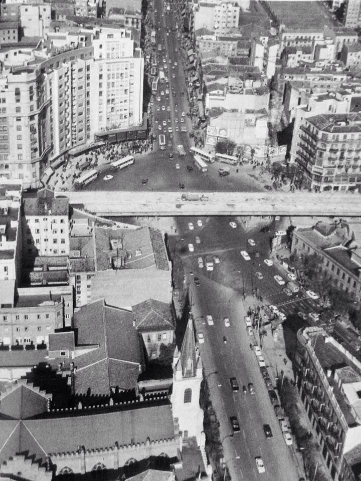 Vista aérea de Cuatro Caminos ya con el Scalextric. 1970.