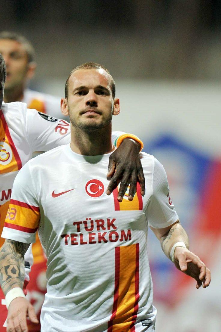 137 best Wesley Sneijder images on Pinterest