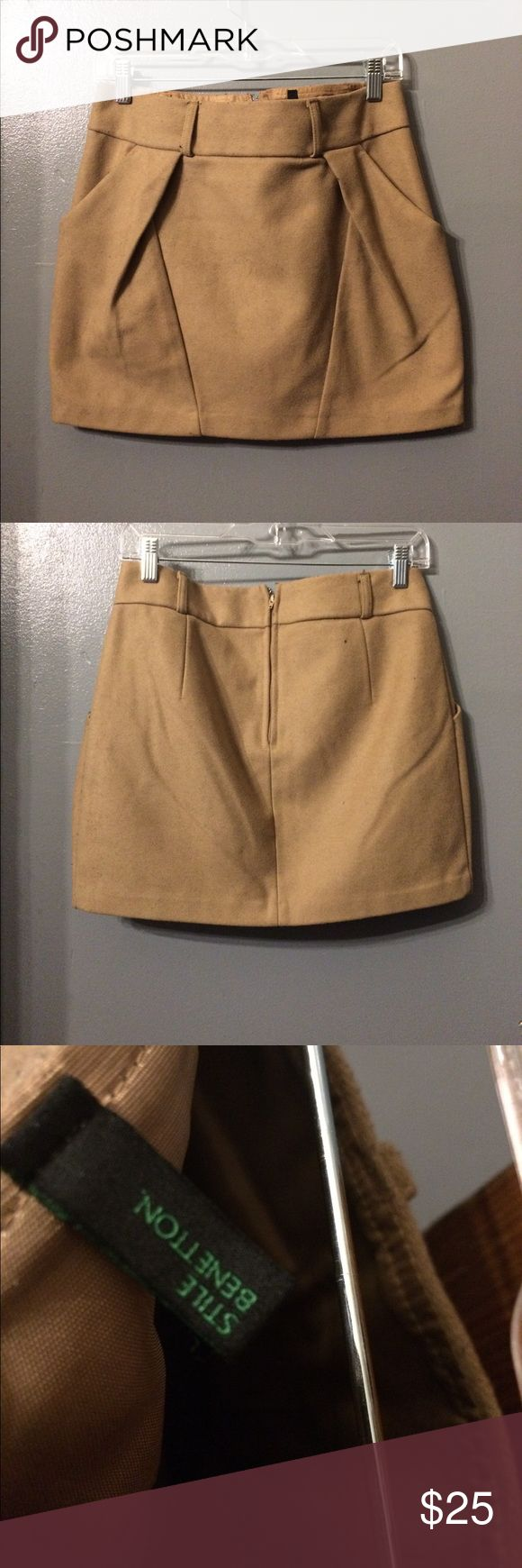 Pleated Wool Mini Skirt ✏️🤓 Book worm sexy.....its a thing.  Wool w/ silk lining, pleated in a very calculated, geometric way, belt loops, and pretty short, leave it to United Colors of Benetton to make wool sexy. 📚💛 United Colors Of Benetton Skirts Mini
