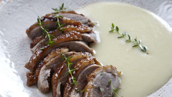 Μια ιδιαίτερη, εντυπωσιακή συνταγή που η γεύση της θα κατακτήσει τους καλεσμένους σας και θα την αγαπήσετε! Σερβίρει 2 άτομα!