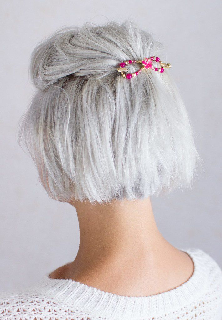 The Prime 10 Greatest Hairstyles for Lengthy Grey Hair In 2019