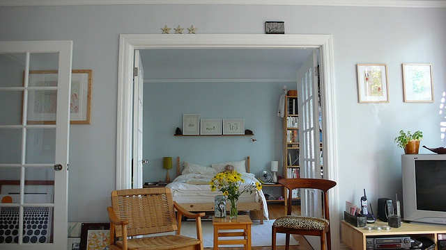 The Gray Paint In The Living Room Is Benjamin Moore Quot Iced