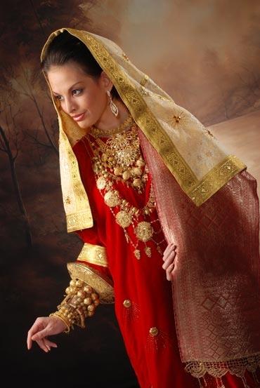 Traditional Clothing Bridal of Minangkabau, West Sumatra