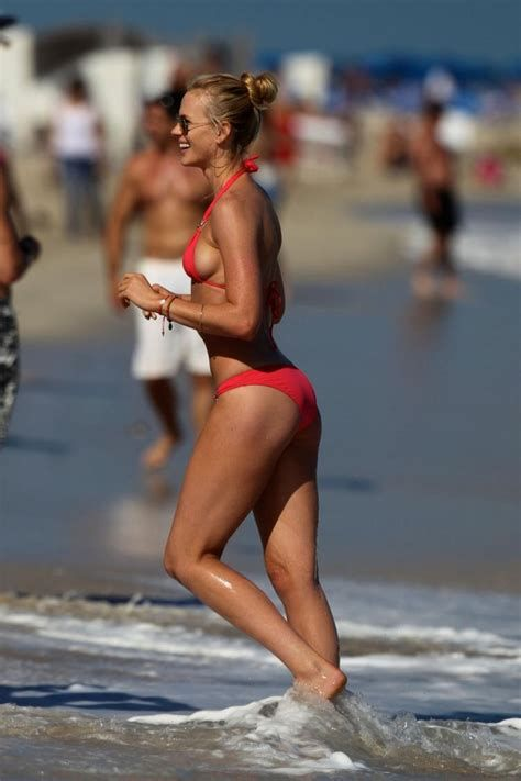 katheryn winnick bikini
