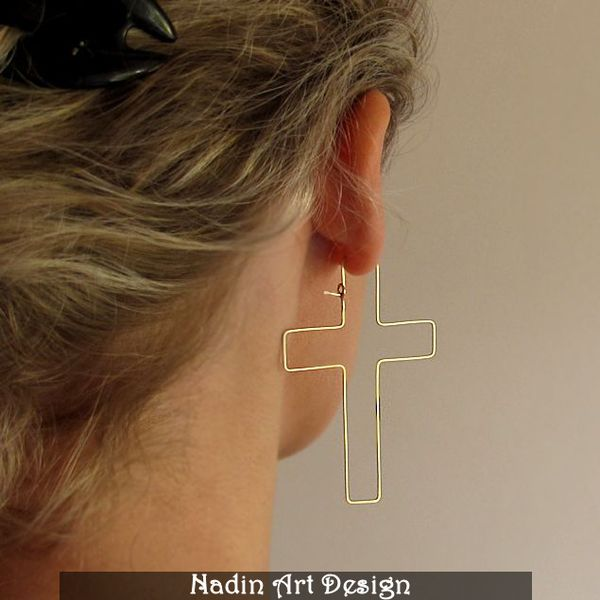 Mode Goldkreuz-Ohrringe / Frauenschmuck von NadinArtDesign auf DaWanda.com