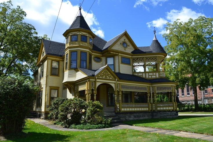 1000 images about dream victorian homes on pinterest queen anne front porches and gothic. Black Bedroom Furniture Sets. Home Design Ideas