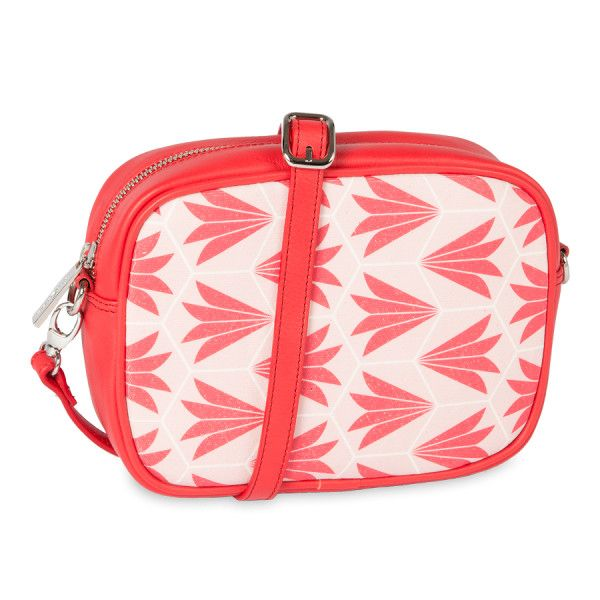 Bolso Bandolera Marina Rojo de Sanyuri, con diseño propio inspirado en las baldosas hidraúlicas del Mediterráneo