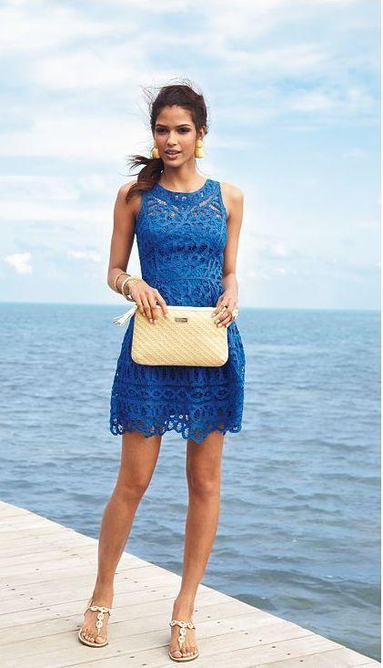 リゾートウェディングにぴったりなブルーのドレスで爽やかに!結婚式で真似したいお呼ばれコーデ♪