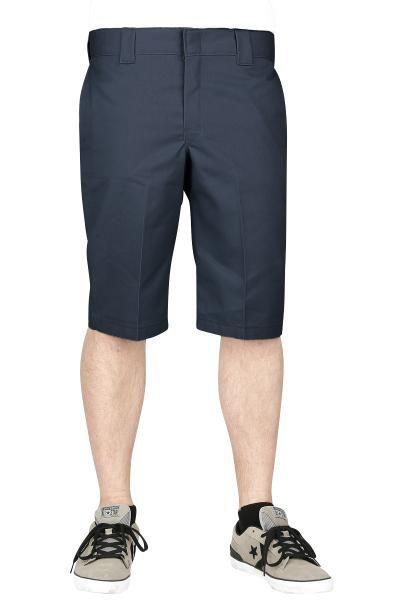 Pantaloni color blu scuro modello 803 Slim Fit Work Shorts di #Dickies, perfetti per l'estate. Muniti di 5 tasche.