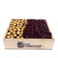 Cherries & Chocolate Fruit Gift  www.igiftfruithampers.com.au  #fruithampers #fruitgifts #giftsformen #luxurygifts #mangifts #freeshipping #hampers #gifthampers #giftsaustralia