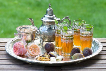 """""""ArTea Presenta: El dato ArTea del día."""" (Si te dan ganas de tomar un té, visitawww.tiendadete.cl) El té de menta marroqui, es el té favorito en el Medio Oriente. Se hace mediante la adición de hojas de menta al té negro tradicional"""