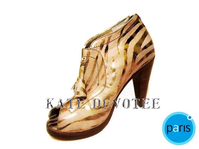 Zapato Cebra Beige. Encuéntralos en Almacenes Paris Alto Las Condes $95000 Tallas 35 al 40 100% Cuero   Visita nuestra Tienda Online:  www.katedevotee.cl www.katedevotee.b... Síguenos en Facebook y Twitter