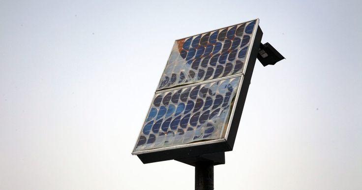 Painéis solares tradicionais contêm células fotovoltaicas que utilizam materiais como o silício para converter a energia da luz solar em eletricidade. Embora as latas de ...