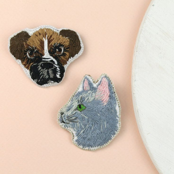 87 отметок «Нравится», 3 комментариев — Beaded Jewelry Embroidery Art (@golubevaembroideryart) в Instagram: «These two little custom cuties will soon meet their new owner. ❤️ You can order your own pet…»