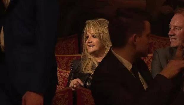 #rock #music #bonnietyler #eurovision Bonnie Tyler at the opening ceremony of the Eurovision in Malmö Opera. 12/05/2013 #bonnietyler #eurovision #gaynorsullivan #gaynorhopkins #thequeenbonnietyler #therockingqueen #rockingqueen #2013 #malmo #uk #unitedkingdom #music #rock #robertsullivan