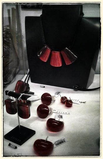 """Collana ZSISKA collezione """"Zilk"""", ispirata alla seta, elegante e lussuosa."""
