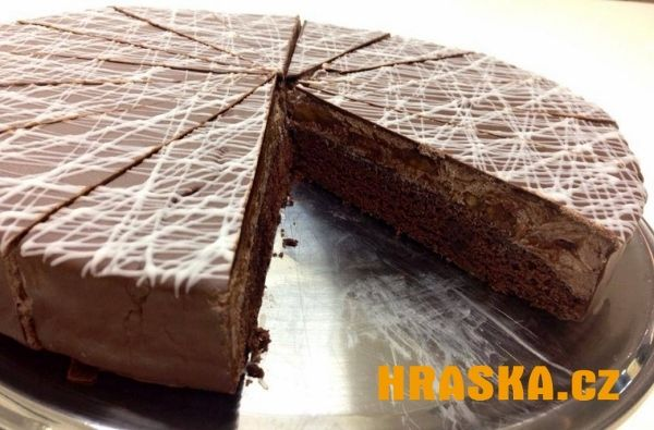 Čokoládový cheesecake s čokoládovou polevou a HRAŠKOU