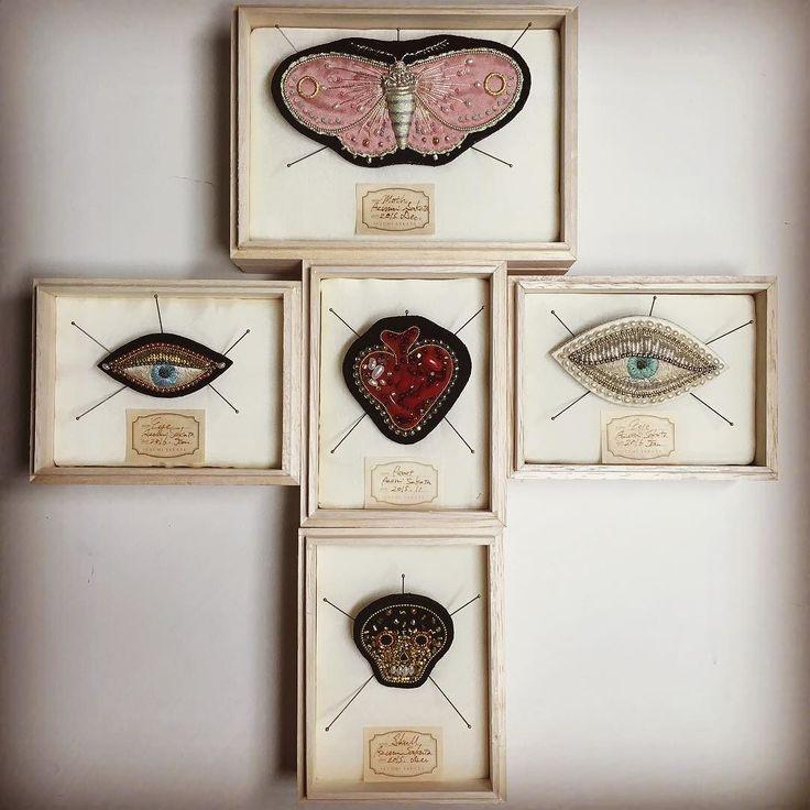 They're gonna go to a new shop in Nashville. The shop is called Wilder. www.wilderlife.com これから納品 アメリカのナッシュビルにあるお店みんながおシャンなアメリカん達へお嫁にいけますように   #embroidery #坂田あづみ #goldwork #heart #skull #心臓 #刺繍 #brooch #刺繍ブローチ #azumisakata #skull #eye #wilder #nashville by zoomy