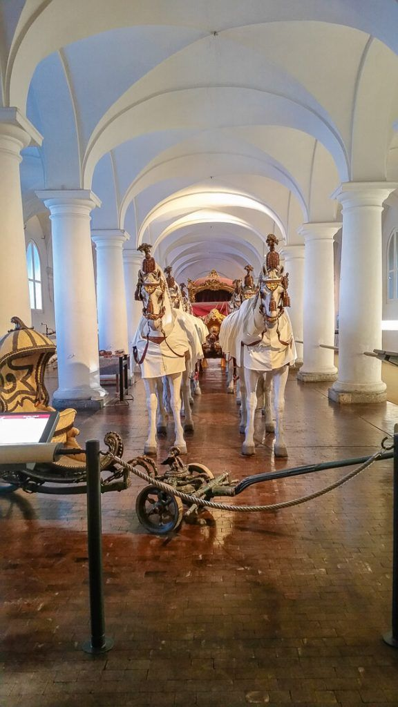 Looking for things to do in Munich? The Marstallmuseum showcases carriages and sleighs straight out of a fairytale. Find the museum at Nymphenburg Palace. . #munich #münchen #nymphenburg #museum