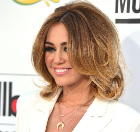 Her skin looked AWESOME.  (And her hair too.): Miley Cyrus, Hair Colors, Hair Short, Shorts Hair, Hair Cut, Billboard Music Awards, Cute Hair, Hair Style, Hair Looks