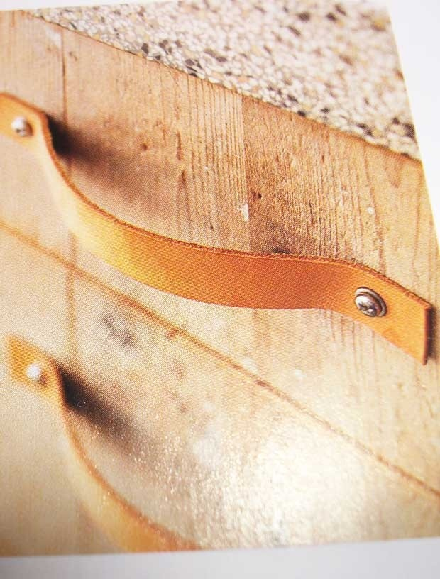 Lederen handgreep/leather handle set available via www.buisjesenbeugels.nl