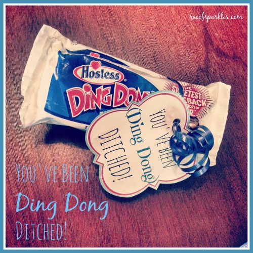 Ding Dong Ditch // Free Printable // Hostess Ding Dong Treats // Leave your neighbors a sweet treat!