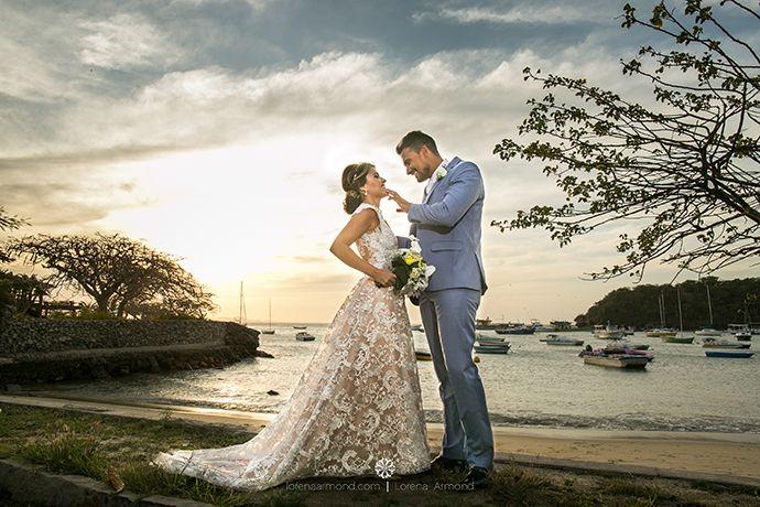 Um destination wedding de tirar o folêgo no Vila da Santa Hotel & Spa em Búzios. Foi assim o enlace da linda Jéssica Moraes do blog Projeto Noivinha com seu amado André.  Vem ver!