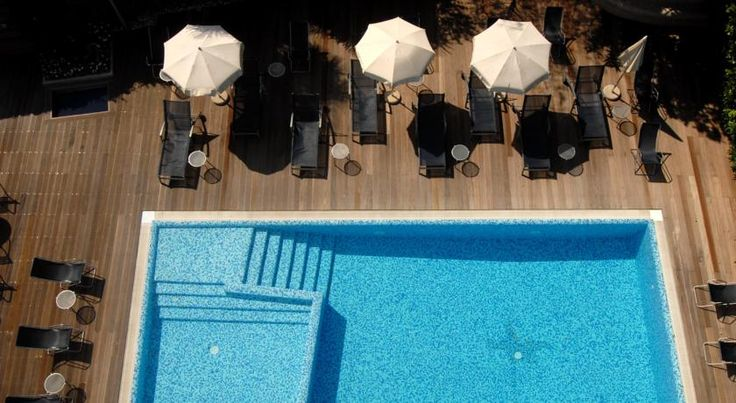 Hotel Caravel Nago-Torbole Located 300 metres from Torbole beach of Lake Garda, Hotel Caravel features a modern and linear style. The Caravel's contemporary design features the combined use of materials such as glass, steel and wood.  Guests can indulge in the swimming pool.