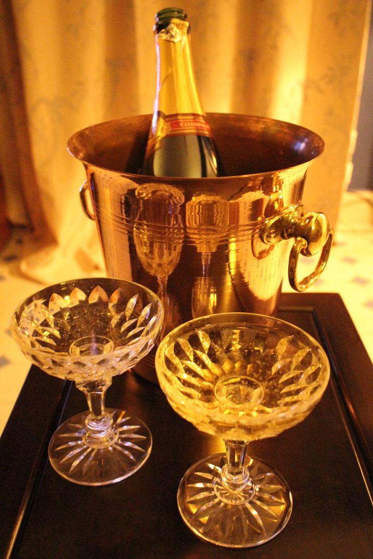 Baccarat Modèle Juivisy 1899 Champagne coupe Friday night www.15grandrue.com