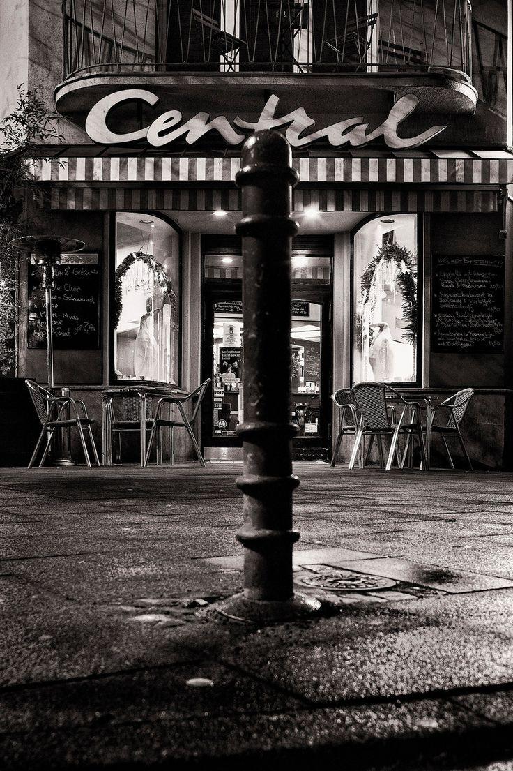 Good Central Caf Bar Restaurant cafecentralcologne