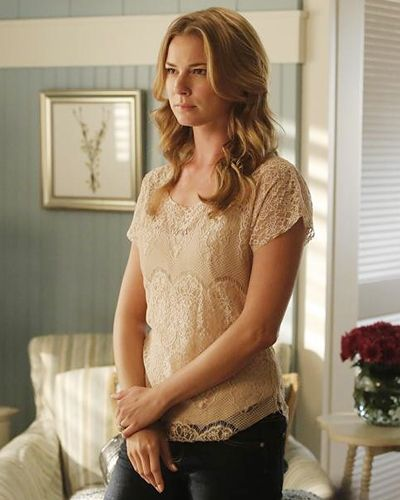 Costume Designer Jill Ohanneson on the Revenge Season 3 Wardrobe - SEASON 3, EPISODE 4: EMILY'S DEMURE SEPARATES from #InStyle