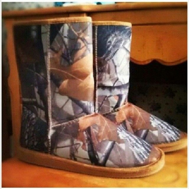 camo uggs! I want these so freaking bad! Where do I find some? <3